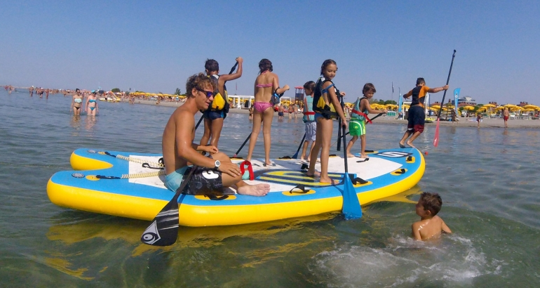 SUP – STAND UP PADDLE SCHOOL